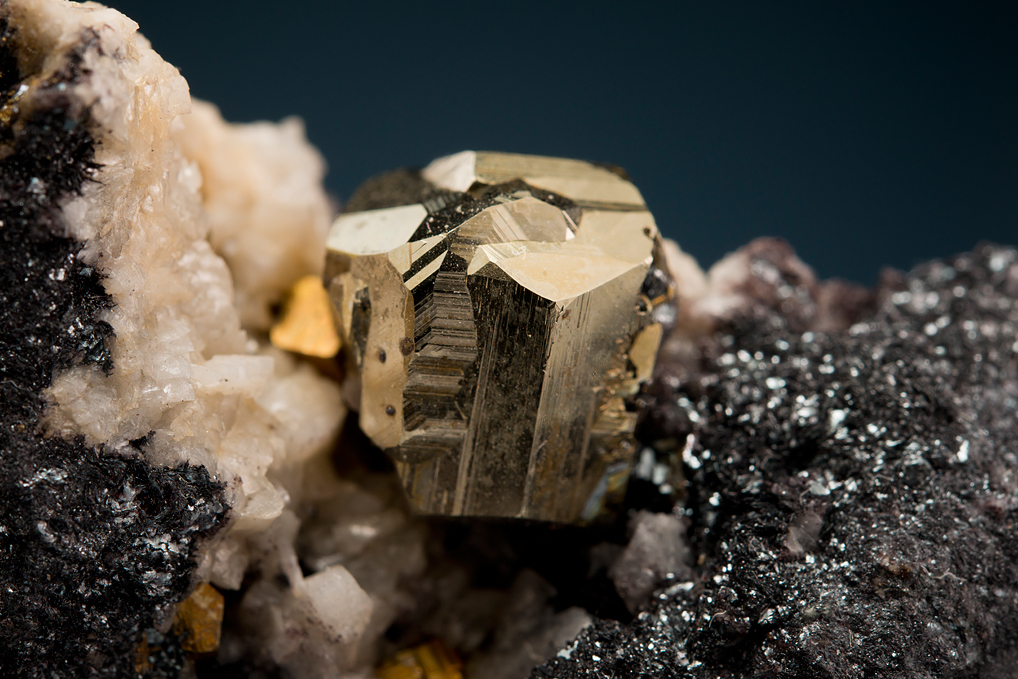 PYRITE on HEMATITE (IRON-cross twin)