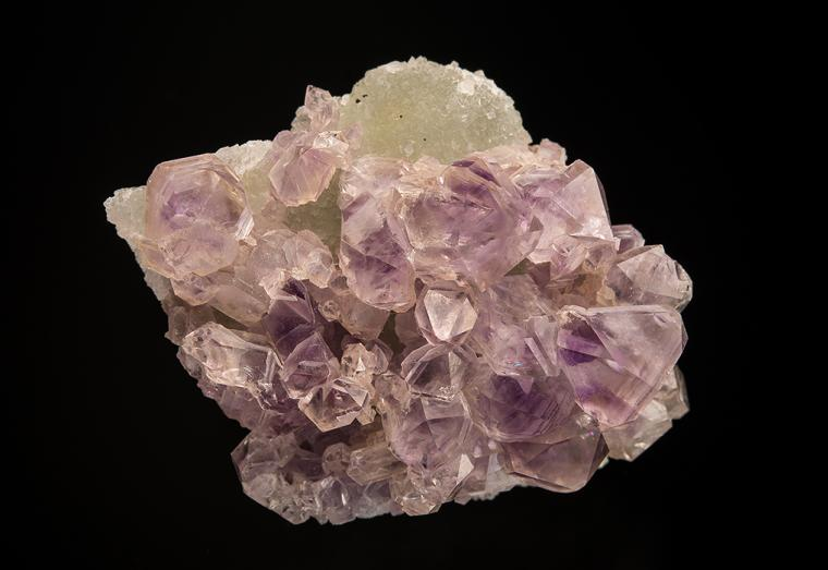 QUARTZ var. Amethyst on DATOLITE