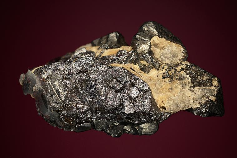 ACANTHITE on PYRARGYRITE