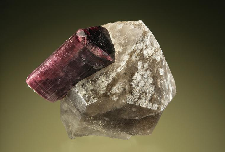 ELBAITE on QUARTZ var. Smoky