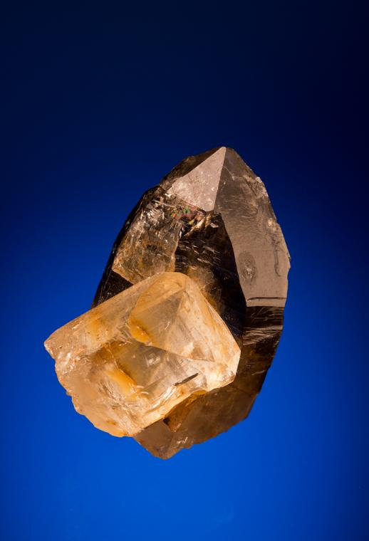 TOPAZ on QUARTZ var. Smoky