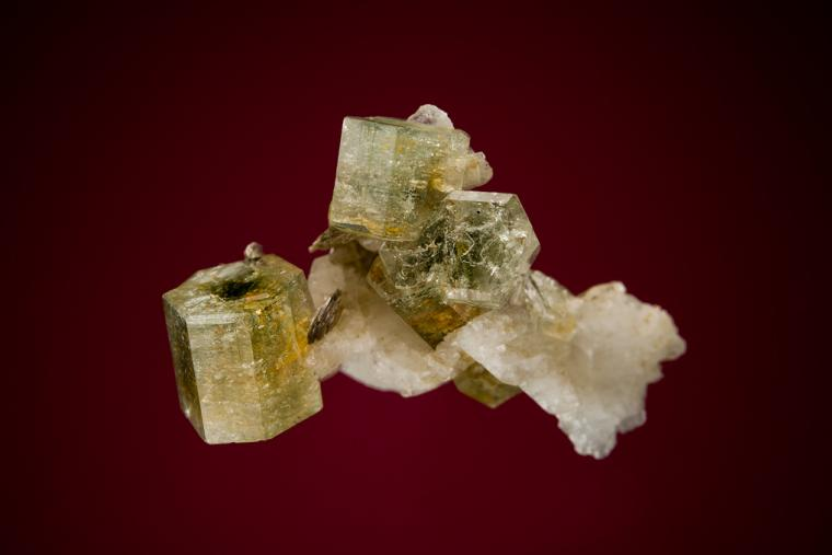 FLUORAPATITE on ALBITE