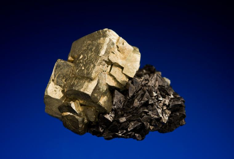 PYRITE on MAGNETITE