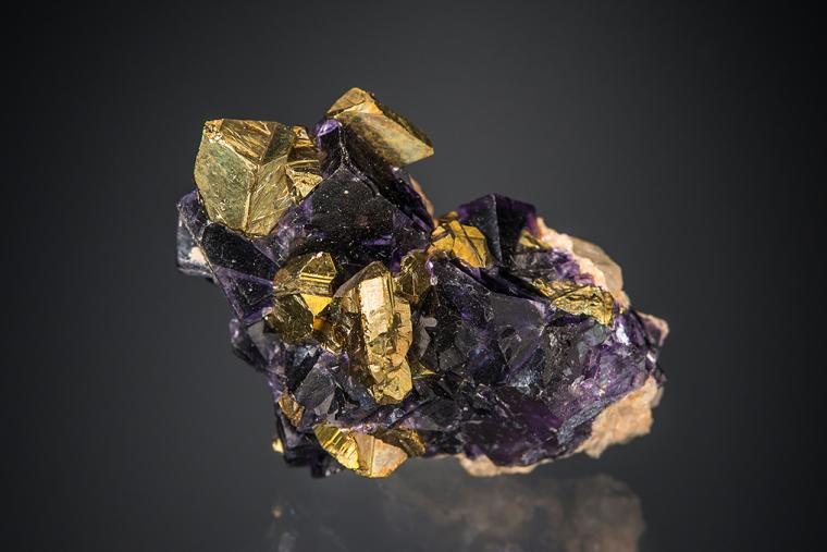 CHALCOPYRITE with FLUORITE